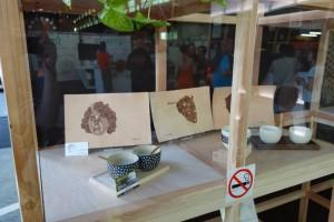 Gravure sur cuir et poteries au fabfest